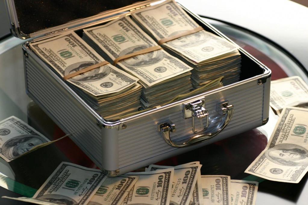 kuffert-med-penge