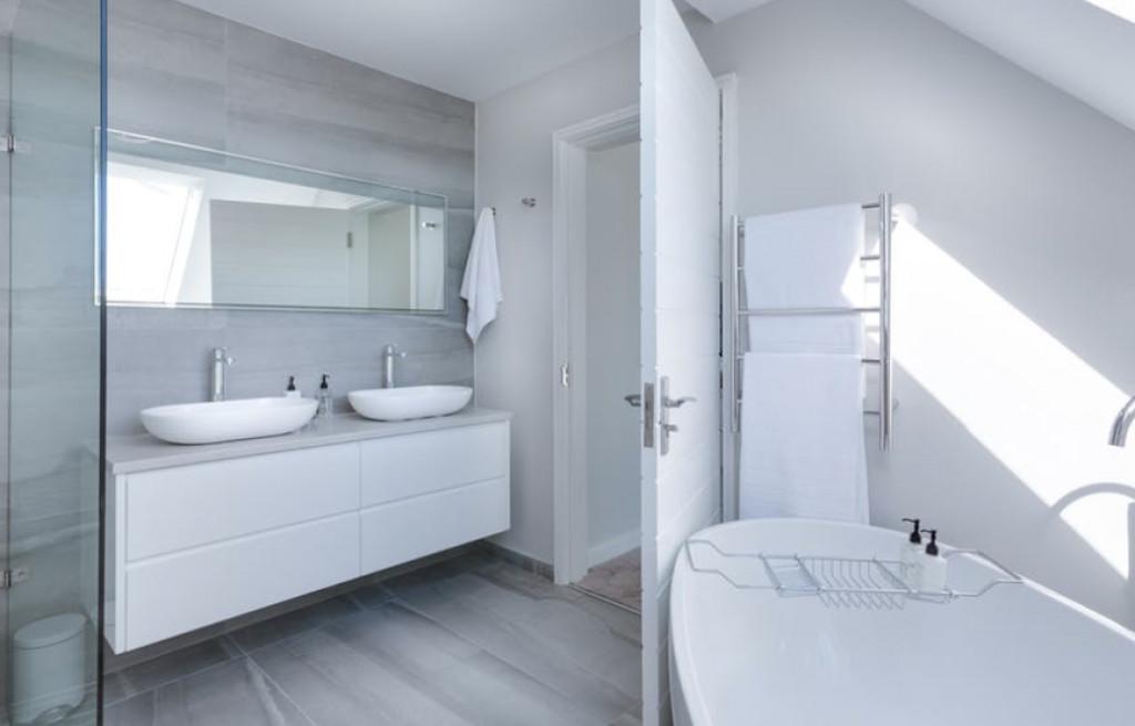 4 produkter, som gør badet og badeværelset mere sikkert for ældre